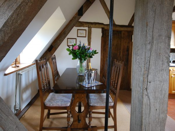 Rafters Cotswold Holiday Apartment Dining Area