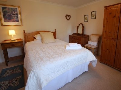 The Stables, queen bedroom, Cotswold accommodation, Broadway Manor Cottages, Cotswold holiday cottages