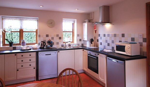 Kitchen, Corner Cottage, Broadway Manor Cottages, Cotswold holiday cottages in Broadway
