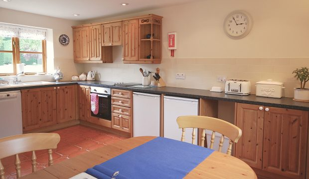 Willow Cottage, Kitchen with dining area